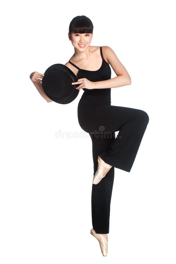 有高顶丝质礼帽的芭蕾舞女演员 免版税库存照片