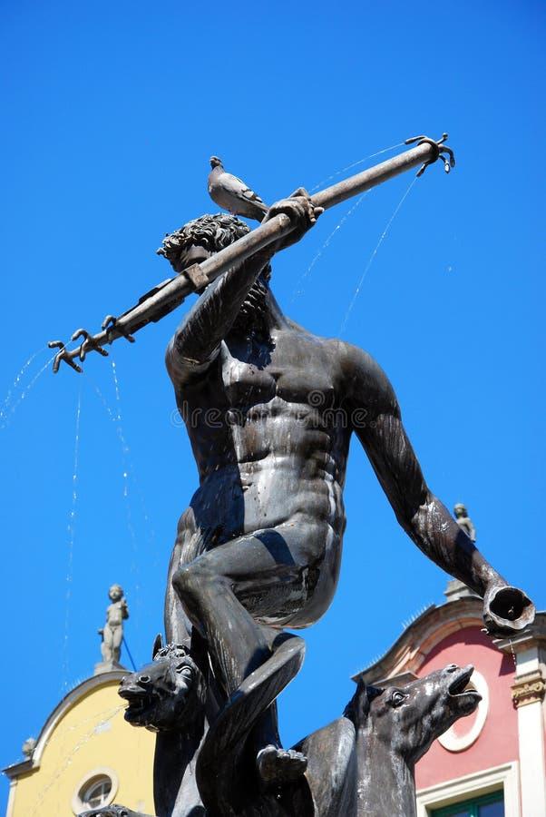 有鸽子的海王星喷泉在头在格但斯克 库存照片