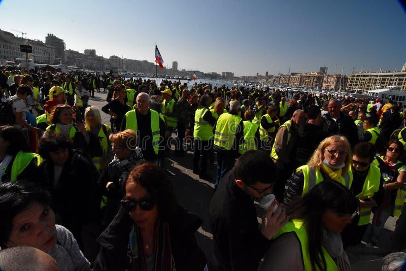 有黄色背心的抗议者在法国 免版税库存图片