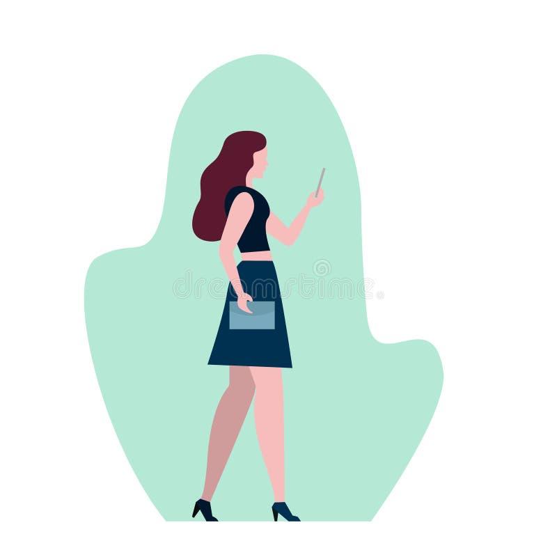 有黑暗的长发的端庄的妇女使用电话,时尚女孩运载的购物带来,平的样式传染媒介例证 向量例证