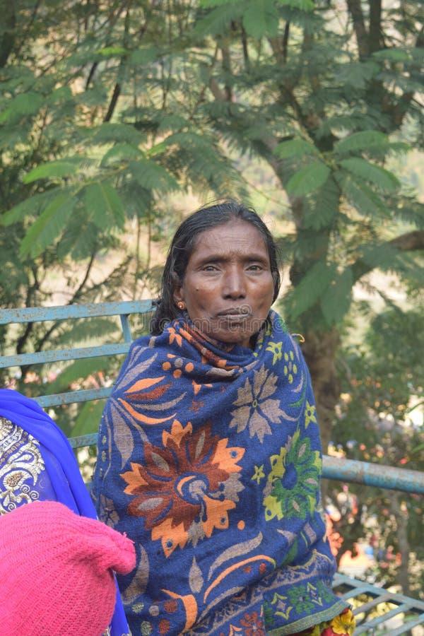 有黑秀丽的印度夫人 免版税库存照片
