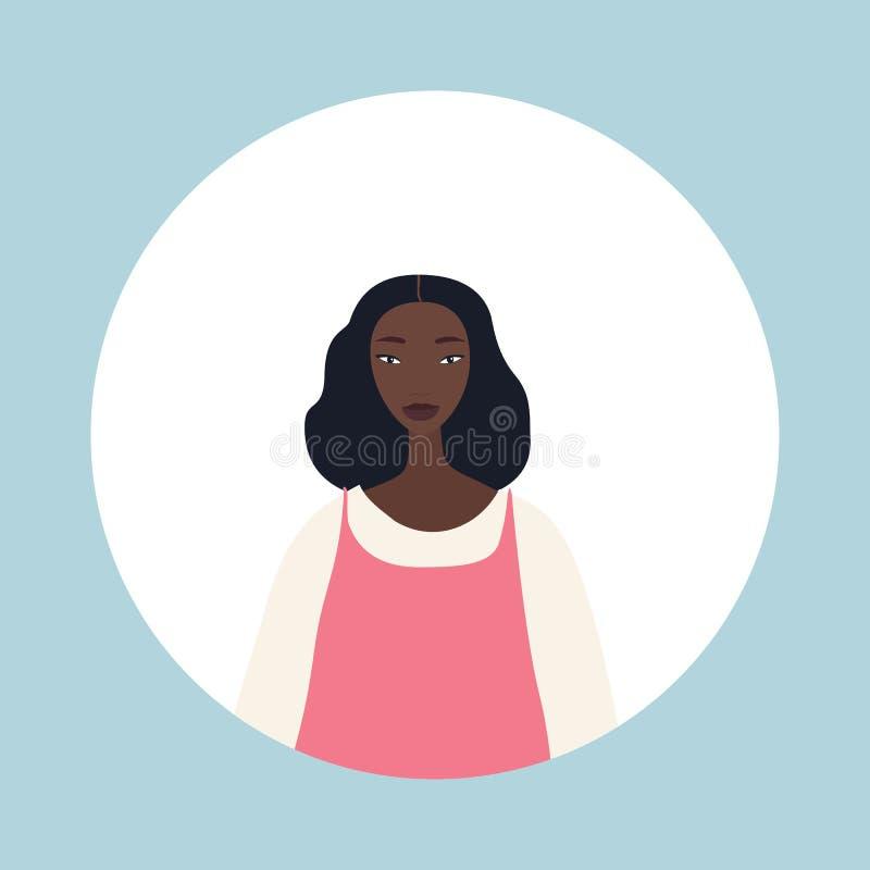 有黑色头发的年轻afriacan美国妇女看起来时髦美丽 皇族释放例证