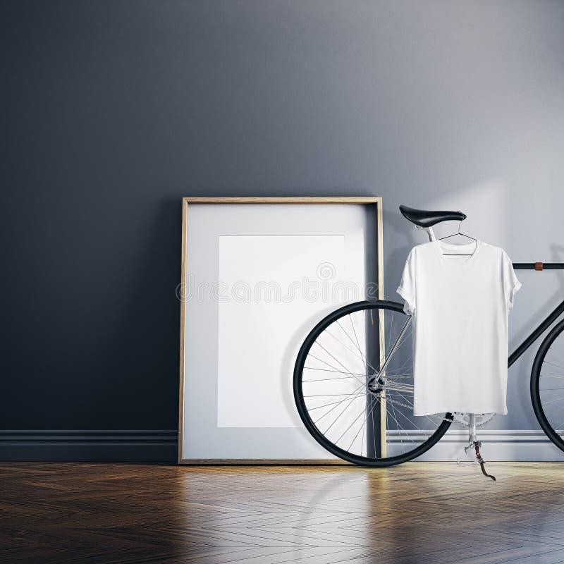 有经典自行车的照片内部现代演播室议院 在自然木地板上的空的白色帆布 空白T恤杉垂悬 库存照片