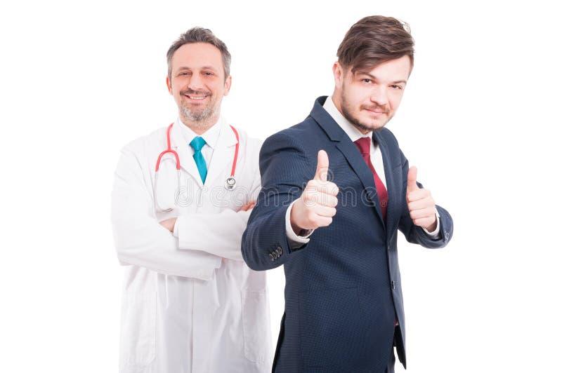 有医学医生的满意的愉快的男性律师 库存照片