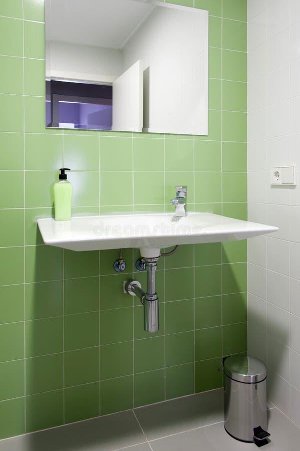 有水槽的卫生间 库存图片