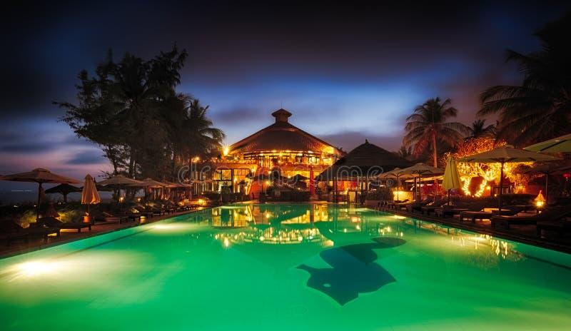 有水池的在黄昏,藩切,越南海滨胜地 库存照片