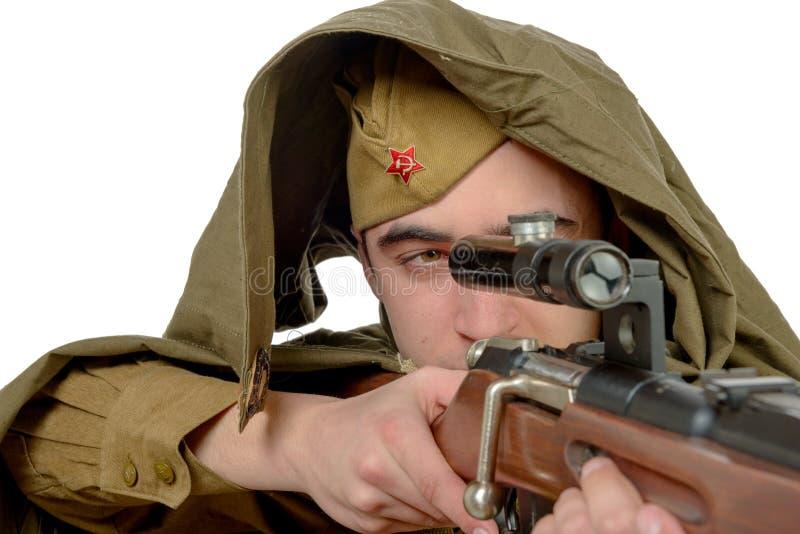 有他的步枪的苏联狙击手 图库摄影