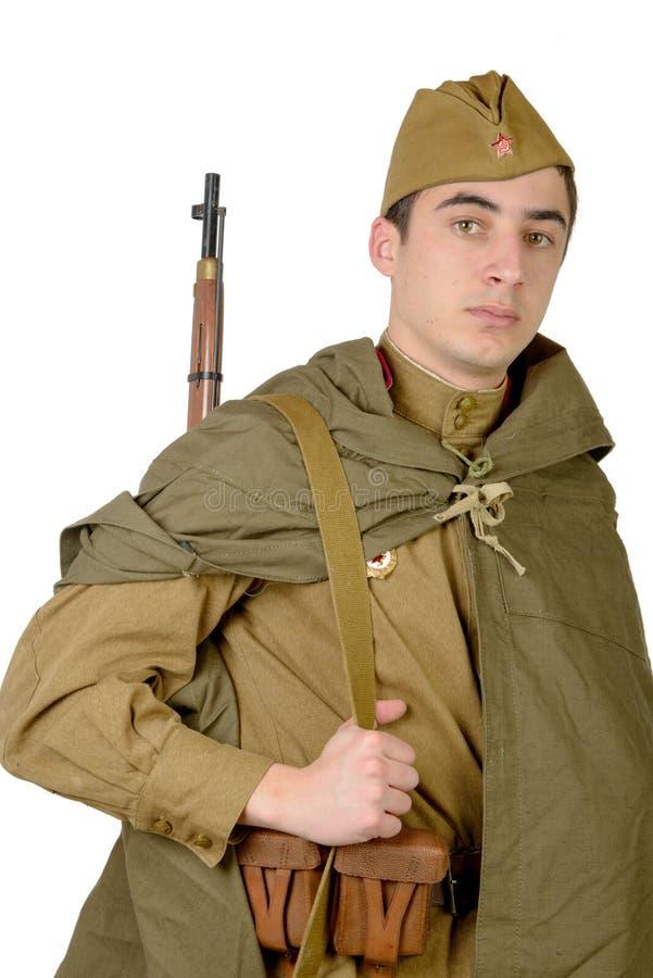 有他的步枪的苏联狙击手 免版税库存图片