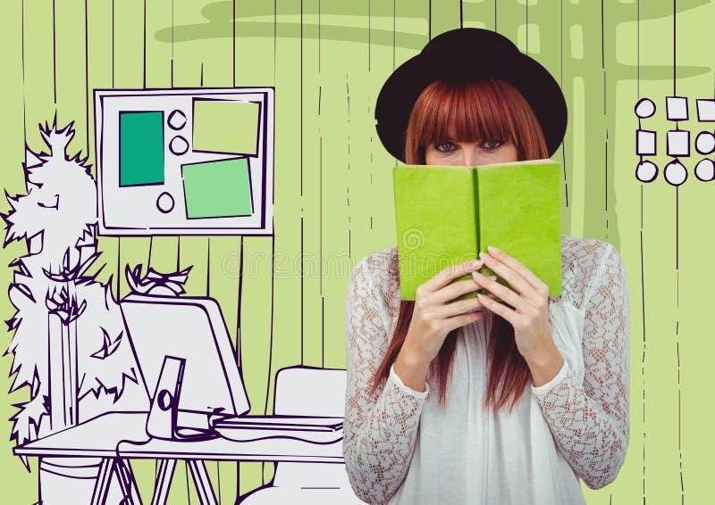 有绿皮书的千福年的妇女反对绿色手拉的办公室 免版税库存图片