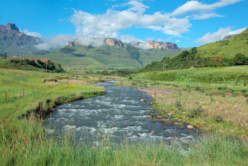 Tugela河和山,南非 免版税图库摄影