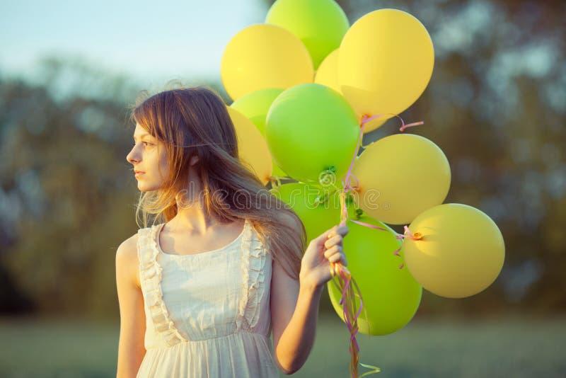 有baloons的女孩 库存照片