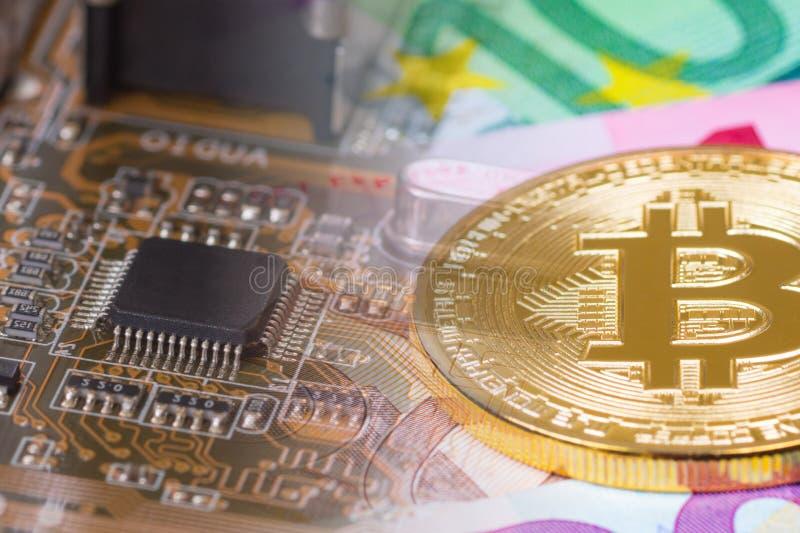 有bitcoin和欧洲钞票的, cryptocurrency mi电路板 免版税图库摄影