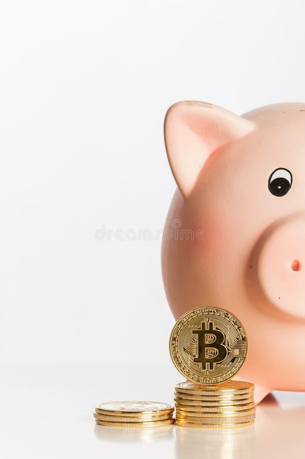 有Bitcoins的存钱罐 库存照片