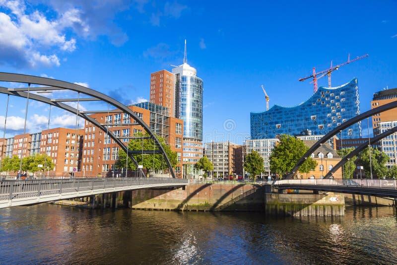 有Elbphilharmonie大厦的Speicherstadt区在汉堡 免版税库存图片