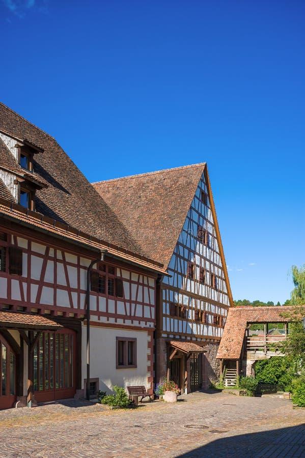 有Fruchtkasten的储放什一税农产品的仓库在多尔恩斯特滕 图库摄影