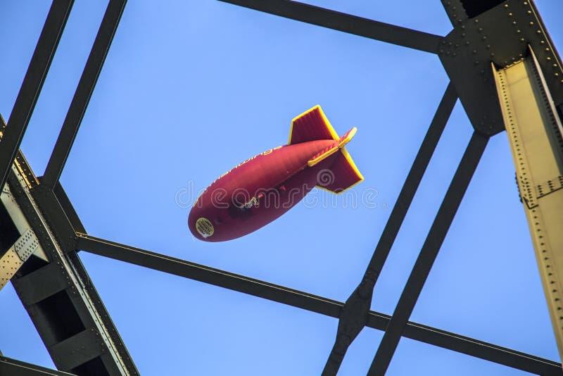有Germanwings略写法的软式小型飞艇 免版税库存照片