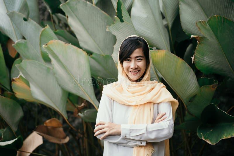 有hijab的回教妇女 免版税库存图片