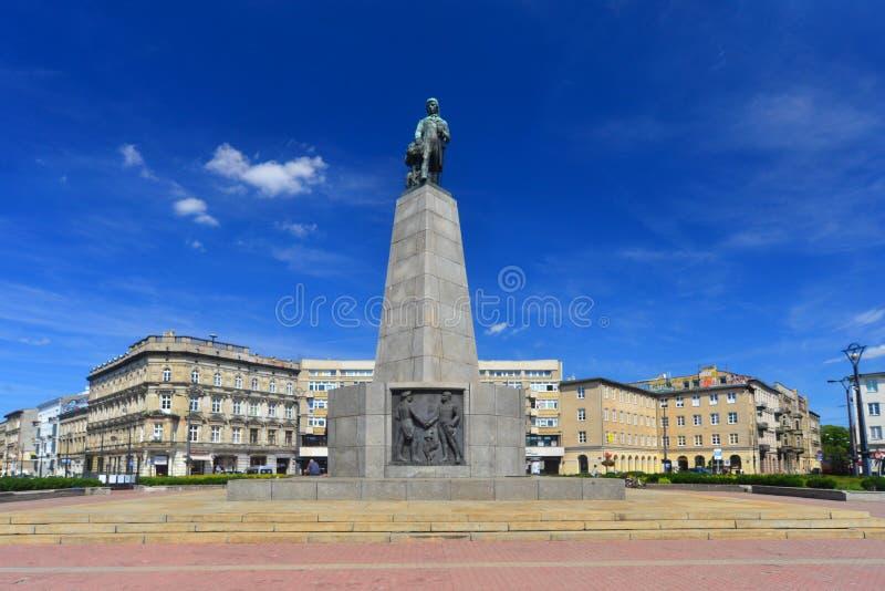 有Kosciuszko纪念碑的自由广场在罗兹,波兰 库存照片