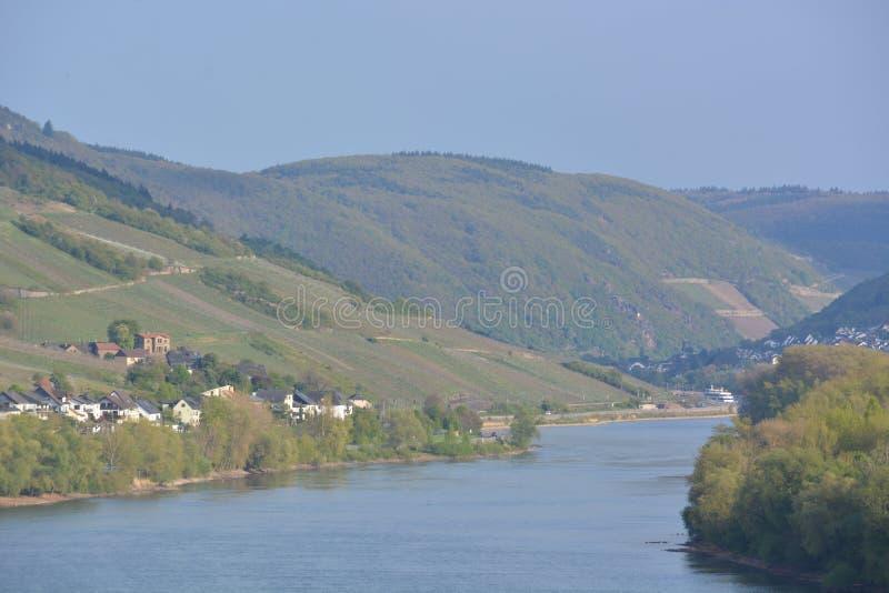 有Lorch的河莱茵河 免版税库存照片