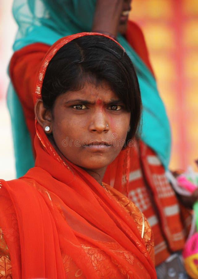 有orande面纱的印地安女孩 免版税库存图片