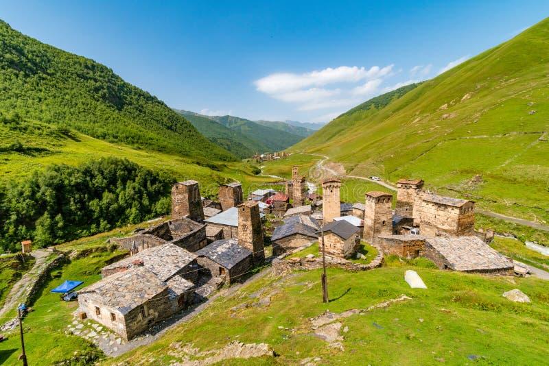 有Svan防御塔的Ushguli村庄,Ushguli,Mestia区,乔治亚 免版税图库摄影
