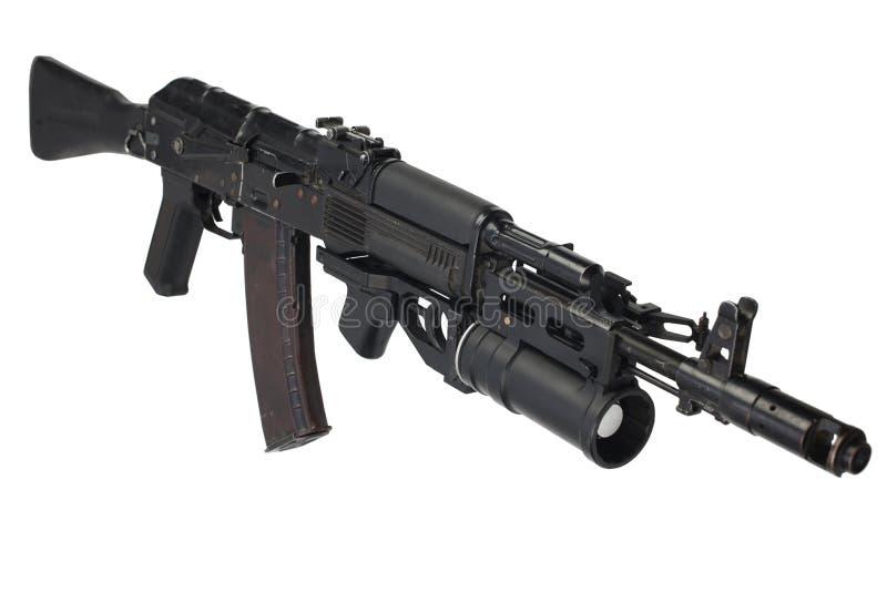 有underbarrel枪榴弹发射器的现代卡拉什尼科夫AK 74M攻击步枪 库存照片