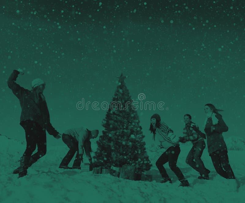 朋友圣诞节寒假庆祝概念 库存照片
