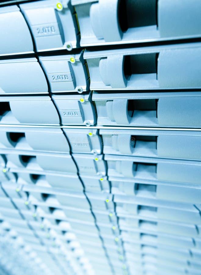 服务器磁盘存储Abstracrt蓝色背景。 库存照片