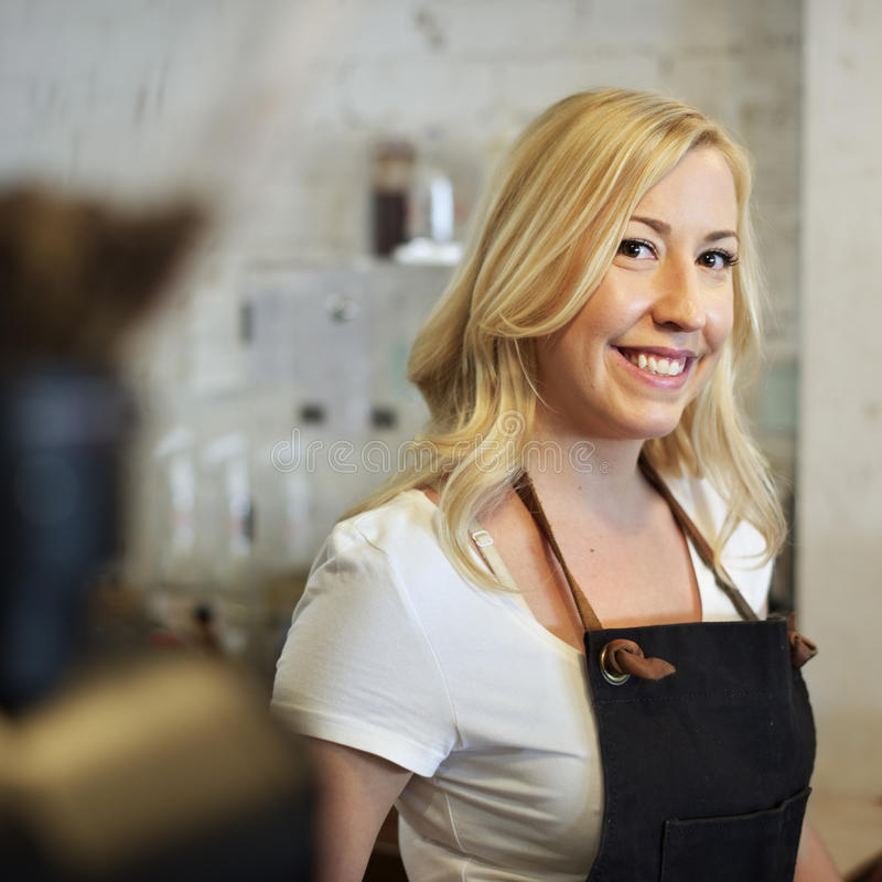 服务服务人员顾客服务咖啡馆概念 免版税图库摄影