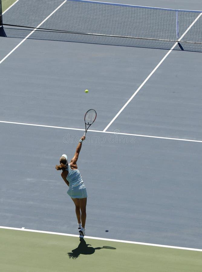 服务网球 免版税库存图片
