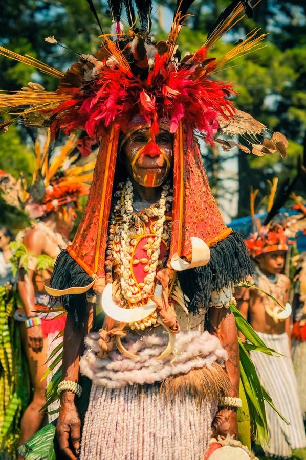 服装的妇女在巴布亚新几内亚 图库摄影