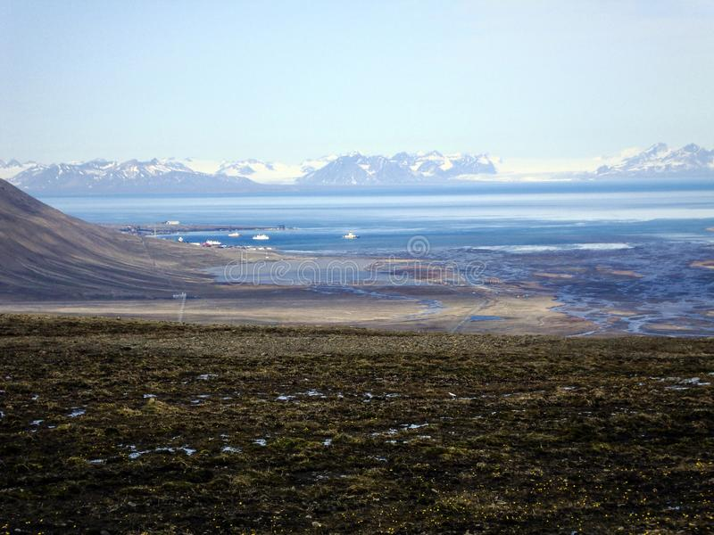 朗伊尔城港口看法Spitzbergen的,挪威 免版税库存照片