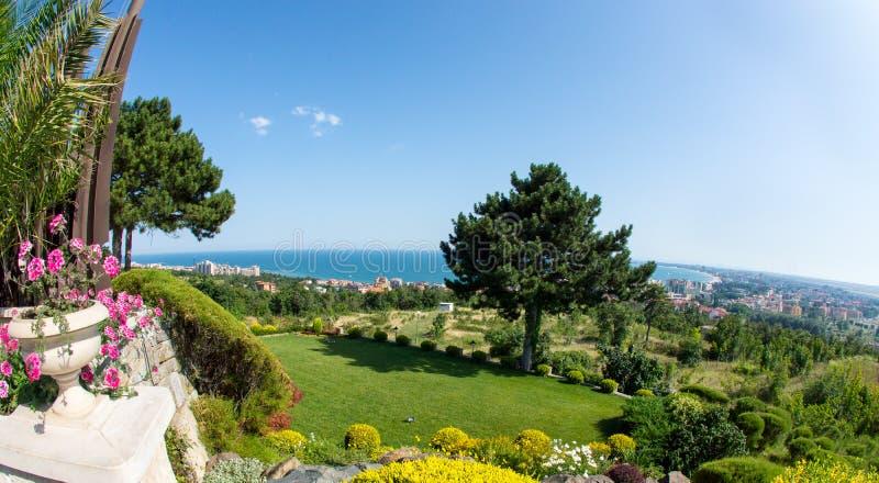 晴朗的海滩和StVlas在保加利亚 库存图片
