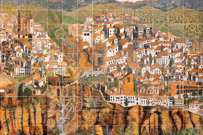 朗达,安达卢西亚,西班牙- 2019年3月16日:朗达老镇墙壁瓦片图表地图  库存照片