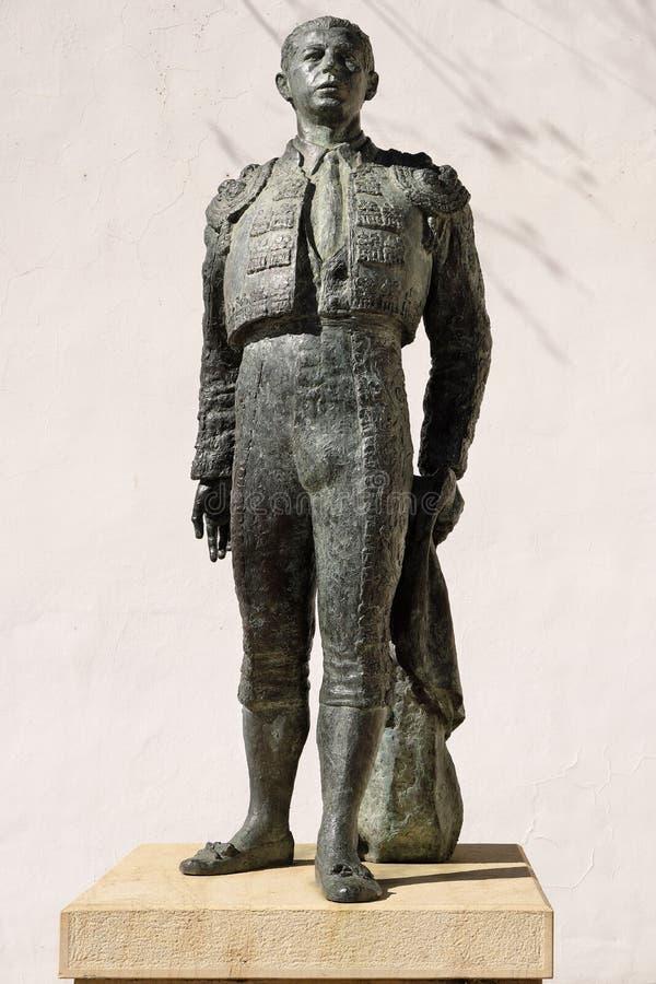 朗达,安达卢西亚,西班牙- 2019年3月16日:著名斗牛士安东尼奥在历史之外位于的欧多尼兹的古铜 免版税库存图片