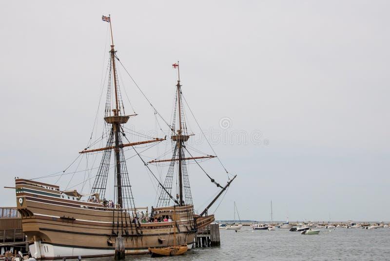 望春风在普利茅斯靠了码头 免版税库存图片