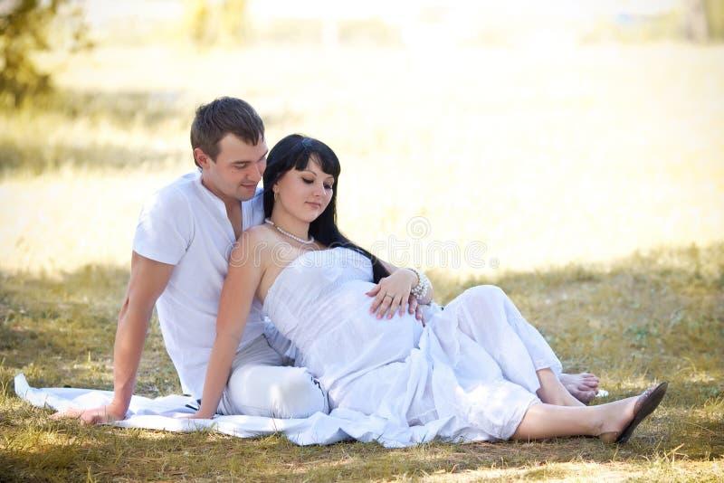期待子项或婴孩的妻子产假 图库摄影