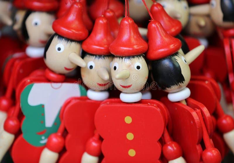 木偶奇遇记图的被绘的木牵线木偶玩偶  图库摄影