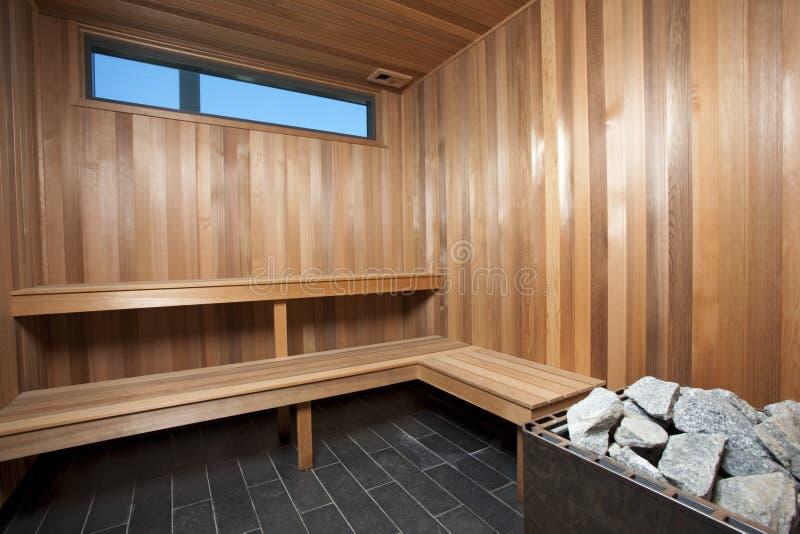 木内部的蒸汽浴 库存图片