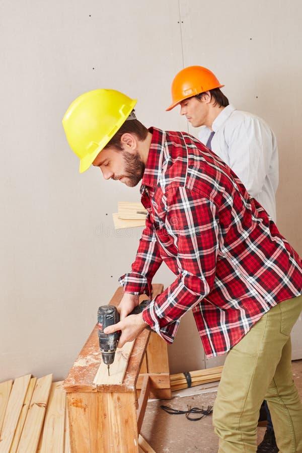 木匠与能力一起使用 免版税库存照片