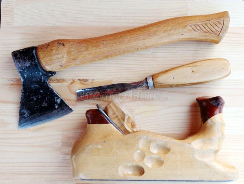 木匠用工具加工轴、飞机和凿子 免版税图库摄影