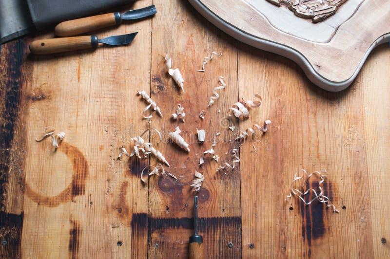 木匠的车间 为木雕刻的工具 免版税库存图片