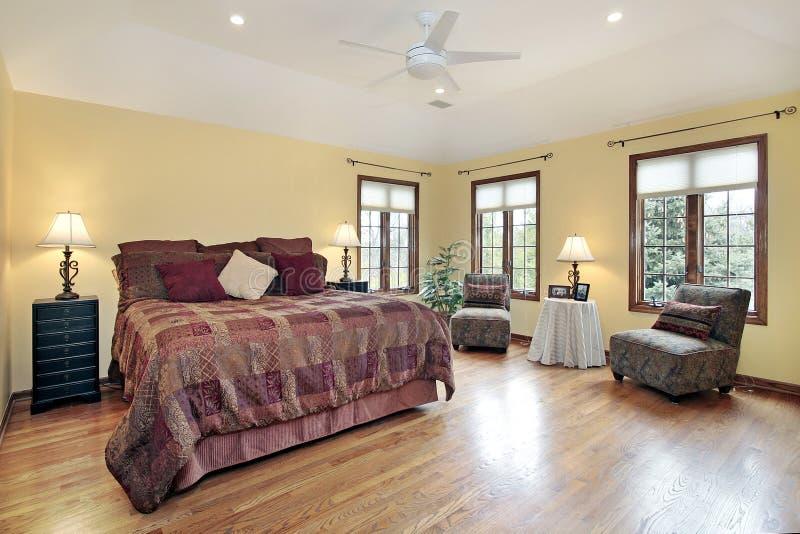 木卧室主要修整的视窗 图库摄影