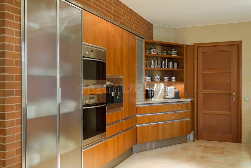 木厨房单位 库存图片