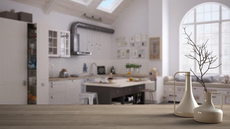 木台式或架子与minimalistic现代花瓶在被弄脏的当代厨房斯堪的纳维亚样式的,白色architectu 免版税库存图片