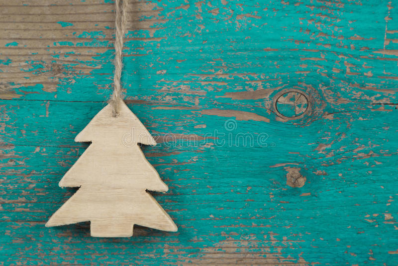 木圣诞节背景的手工制造圣诞树 免版税库存图片