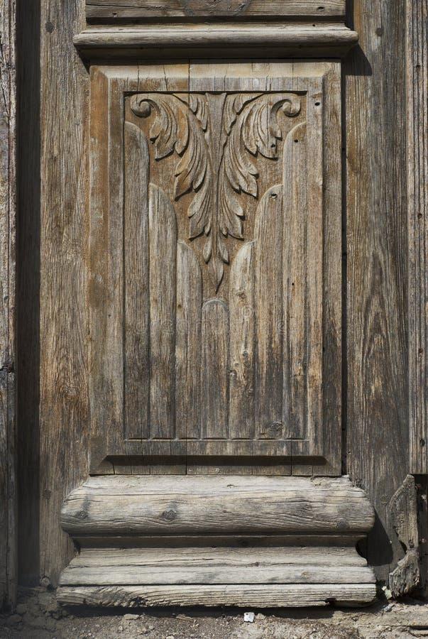 木头的接近的门 免版税库存照片