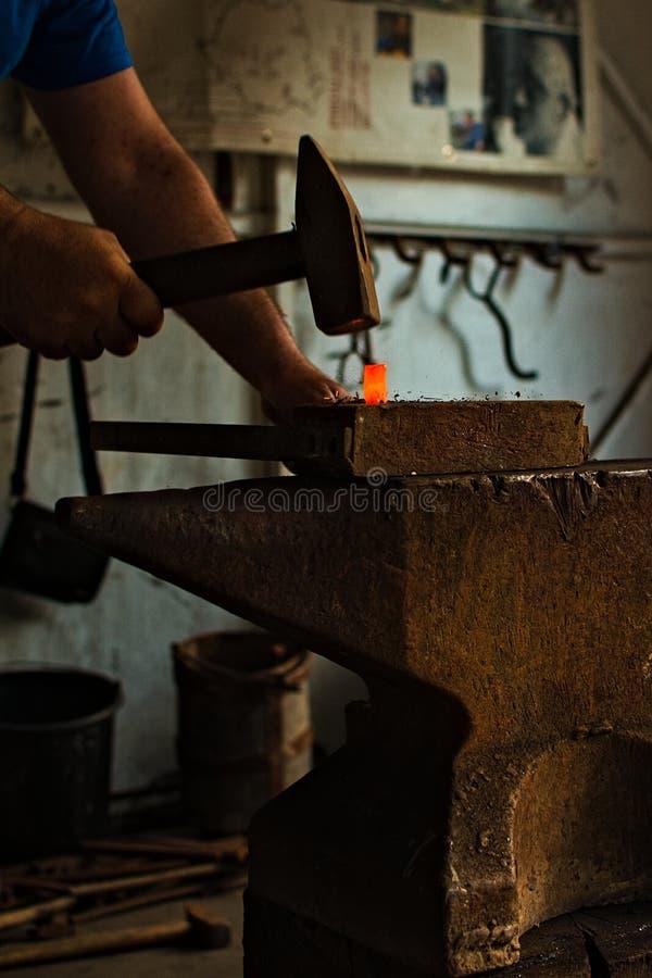 木头的钉子 免版税库存照片