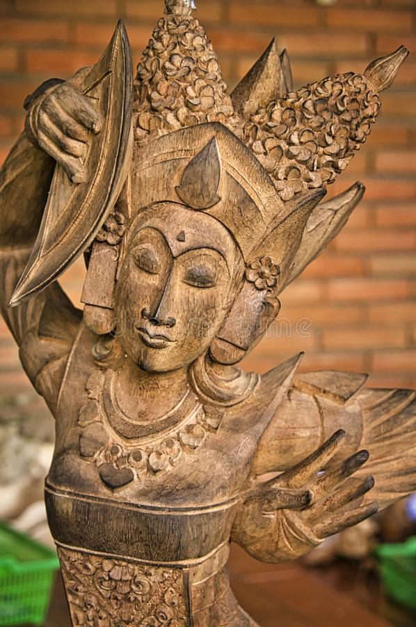 木异教的雕塑特写镜头 印度尼西亚-巴厘岛 图库摄影