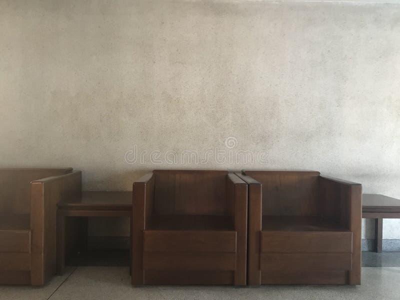 木扶手椅子 免版税库存图片